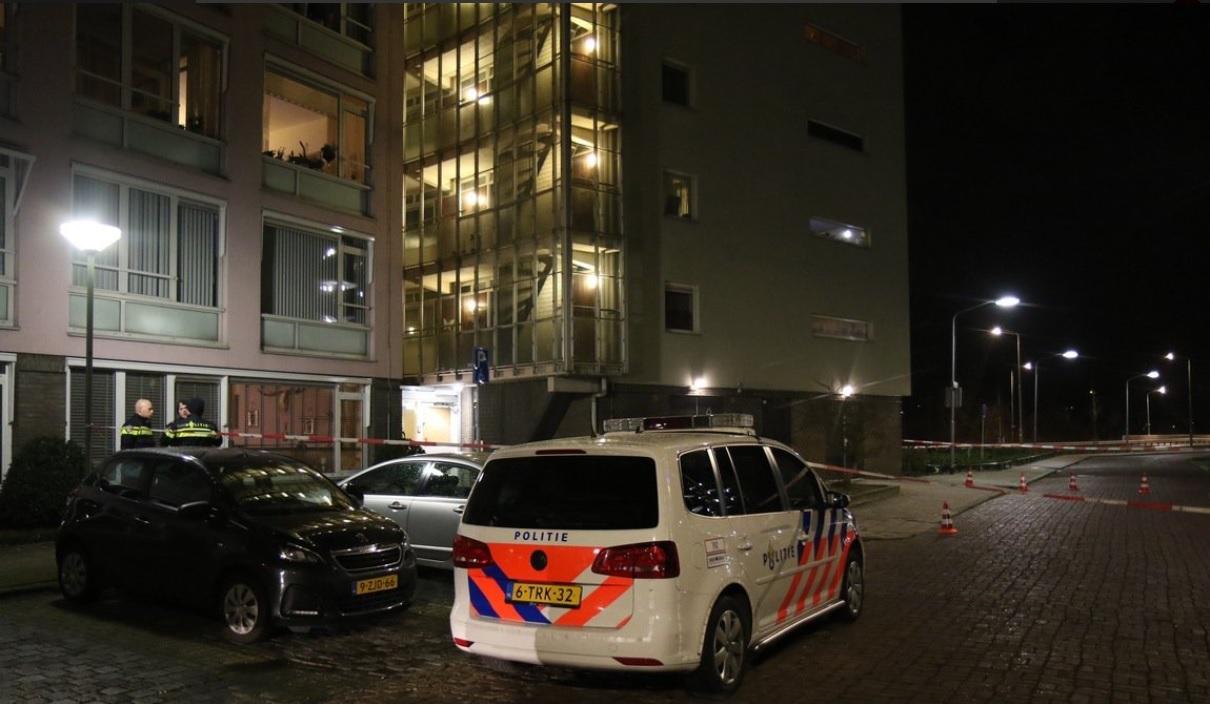 Politie lost schoten omwille van dreiging op turkse for Turkse reisbureau den haag