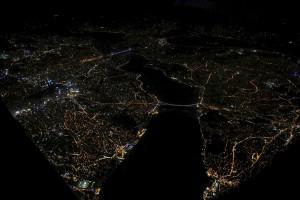 """Türkiye Foto Muhabirleri Derneği'nin düzenlediği """"TFMD Yılın Basın Fotoğrafları 2016"""" yarışmasının sonuçları açıklandı. Yarışmada Avrupa Birliği Özel Ödülü'nü Reuters'den Ümit Bektaş """"İki kıtayı birbirinden ayıran İstanbul Boğazı"""" adlı fotoğrafı ile aldı. ( Reuters / Ümit Bektaş - Anadolu Ajansı )"""